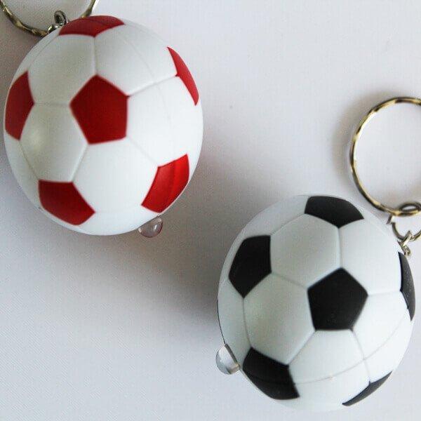サッカーボール型  LEDライトキーホルダー  1個【画像3】