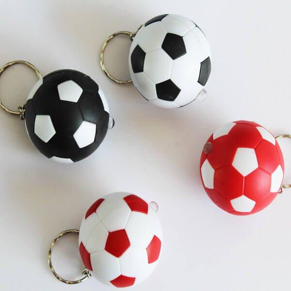 サッカーボール型  LEDライトキーホルダー  1個【画像4】