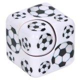 サッカーボール柄入りフィジェットキューブ キューブ型ハンドスピナー