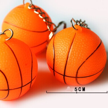 イルミネーションのように点灯するバスケットボールキーホルダー 1個【画像2】