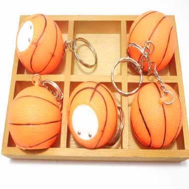 イルミネーションのように点灯するバスケットボールキーホルダー 1個【画像4】