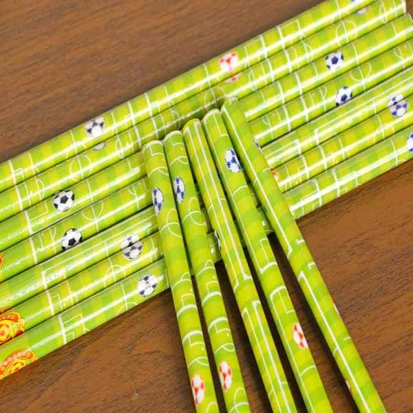 セットがお得 サッカーコート柄のオリジナル鉛筆 単価48円〜