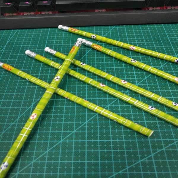 セットがお得 サッカーコート柄のオリジナル鉛筆 単価48円〜【画像7】