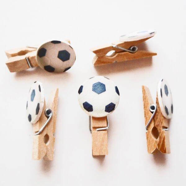 サッカーボール付きの木製ミニクリップ【画像2】