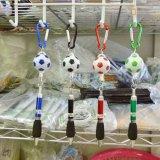 サッカーボールとカラビナ付き 伸縮ボールペン