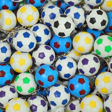 カラフルサッカーボールのキーホルダー 1個【画像2】