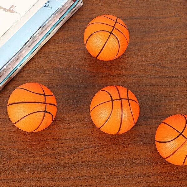 (直径6.3センチ)弾力性があるやわらかバスケットボール1個【画像2】