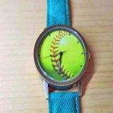 入手困難な野球ボール腕時計