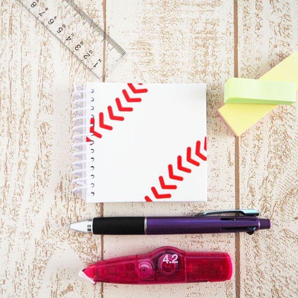 セットがお得 野球ボール柄 リング付きミニメモ帳(ボール部分が可愛いゴム) 単価234円〜【画像3】