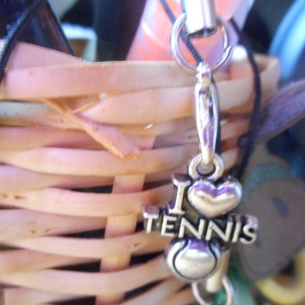 テニス好きのためのストラップ