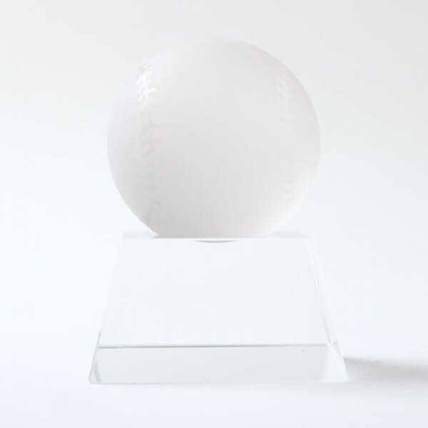 クリスタル野球ボール 直径50ミリ 台座付き【画像4】