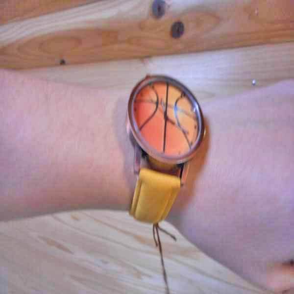 入手困難なバスケットボール腕時計 1本【画像4】