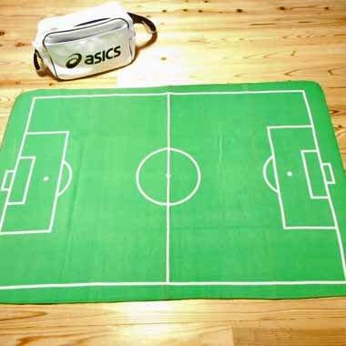 サッカーコートの大きなルームマット