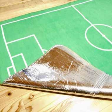 サッカーコートの大きなルームマット【画像2】