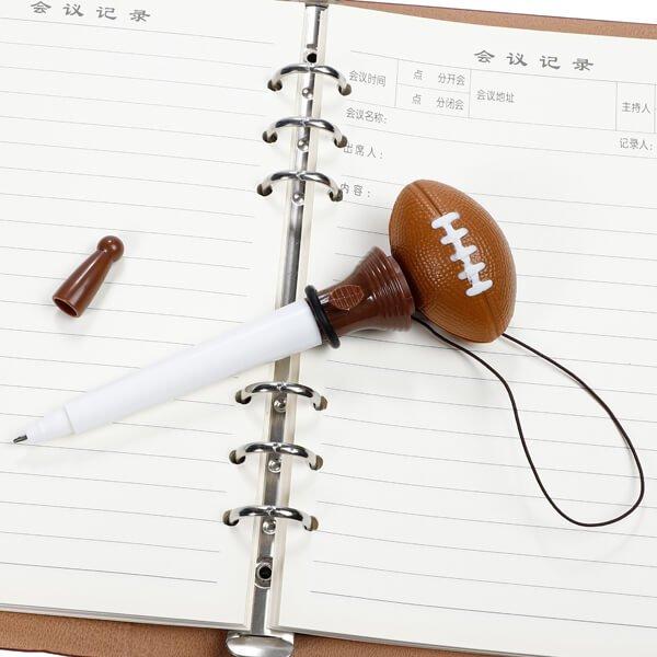 可愛いラグビー柄の真空ボールペン(ボールを飛ばして遊べるラグビーボールペン)