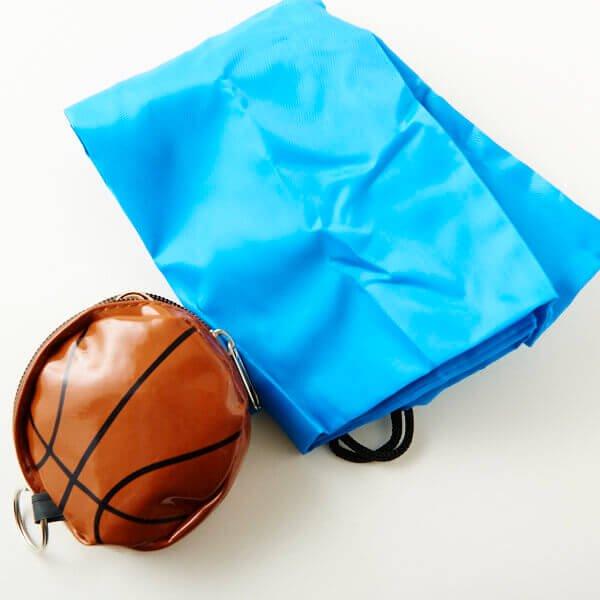 セットがお得! バスケットボール型のエナメル小物入れ(巾着入り) 単価480円〜