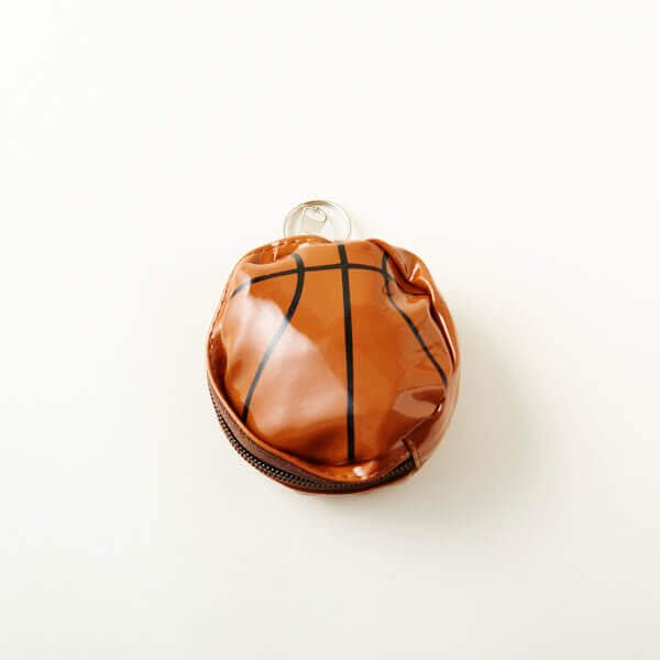 セットがお得! バスケットボール型のエナメル小物入れ(巾着入り) 単価480円〜【画像3】