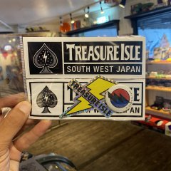 TREASURE ISLE ORIGINAL | トレジャーアイルオリジナル | ステッカーパック+缶バッジ