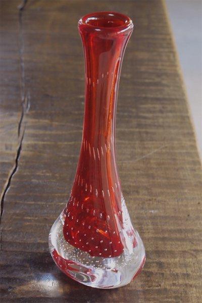 春の新作 赤ガラス一輪挿し