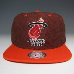<img class='new_mark_img1' src='https://img.shop-pro.jp/img/new/icons20.gif' style='border:none;display:inline;margin:0px;padding:0px;width:auto;' />Mitchell & Ness デニム スナップバックキャップ ヒート レッド×オレンジ