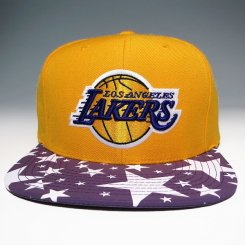 <img class='new_mark_img1' src='https://img.shop-pro.jp/img/new/icons20.gif' style='border:none;display:inline;margin:0px;padding:0px;width:auto;' />Mitchell & Ness スナップバックキャップ レイカーズ イエロー×パープル