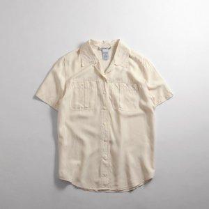 <img class='new_mark_img1' src='https://img.shop-pro.jp/img/new/icons5.gif' style='border:none;display:inline;margin:0px;padding:0px;width:auto;' />[レディース] シルク オープンカラーシャツ 半袖 オフホワイト