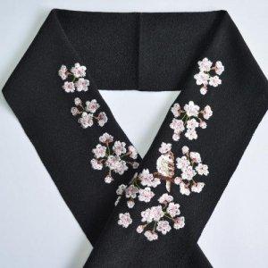 桜と雀 黒半襟