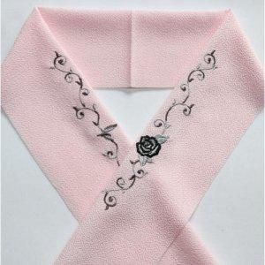 薔薇とツタ・ブラック  ピンク半襟