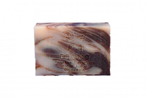 HONEY MOON PEACH LEAF<br/>ハニームーンピーチリーフ<br/>月桃とはちみつの石鹸<br/>簡易包装