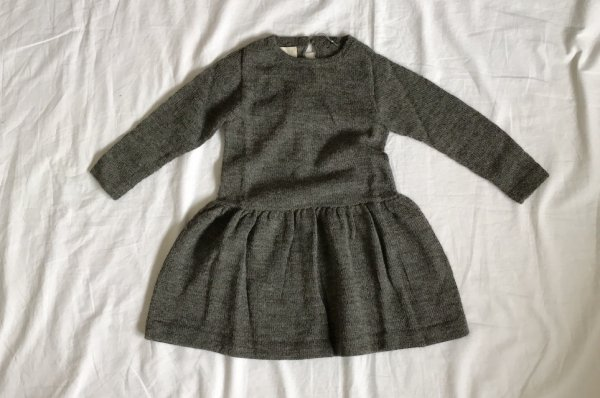 <img class='new_mark_img1' src='https://img.shop-pro.jp/img/new/icons16.gif' style='border:none;display:inline;margin:0px;padding:0px;width:auto;' />70%off Septembers Eva dress - Grey