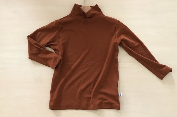 <img class='new_mark_img1' src='//img.shop-pro.jp/img/new/icons14.gif' style='border:none;display:inline;margin:0px;padding:0px;width:auto;' />18aw sem label LONG SLEEVE TURTLE NECK- RUST