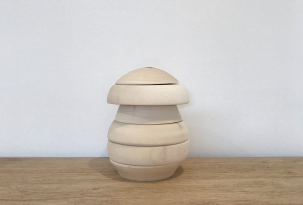 <img class='new_mark_img1' src='//img.shop-pro.jp/img/new/icons14.gif' style='border:none;display:inline;margin:0px;padding:0px;width:auto;' />HANDCRAFTED WOODEN MUSHROOM  STACKER