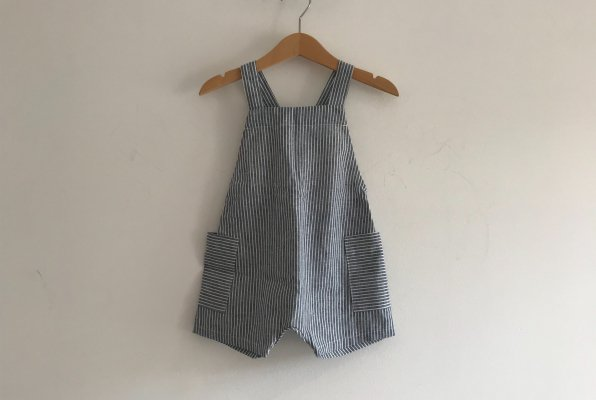 <img class='new_mark_img1' src='//img.shop-pro.jp/img/new/icons16.gif' style='border:none;display:inline;margin:0px;padding:0px;width:auto;' />40%off PETITS VILAINS Gabriel Short Overalls - Stripe
