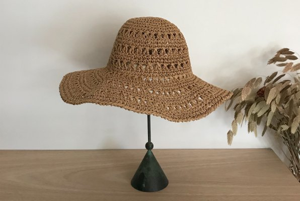 <img class='new_mark_img1' src='//img.shop-pro.jp/img/new/icons14.gif' style='border:none;display:inline;margin:0px;padding:0px;width:auto;' />Bonét et Bonét Handmade summer hat .