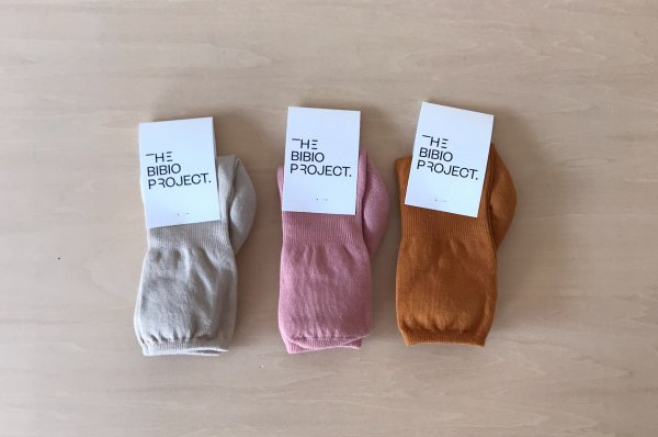 <img class='new_mark_img1' src='https://img.shop-pro.jp/img/new/icons43.gif' style='border:none;display:inline;margin:0px;padding:0px;width:auto;' />50%off The Bibio Project KNEE SOCKS