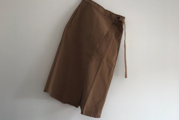 <img class='new_mark_img1' src='//img.shop-pro.jp/img/new/icons14.gif' style='border:none;display:inline;margin:0px;padding:0px;width:auto;' />The Bibio Project WRAP SKIRT  / TOASTED COCONUT For WOMEN