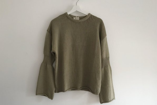 <img class='new_mark_img1' src='//img.shop-pro.jp/img/new/icons14.gif' style='border:none;display:inline;margin:0px;padding:0px;width:auto;' />The Bibio Project RIBBED SLEEVE SWEATER /KHAKI For WOMEN