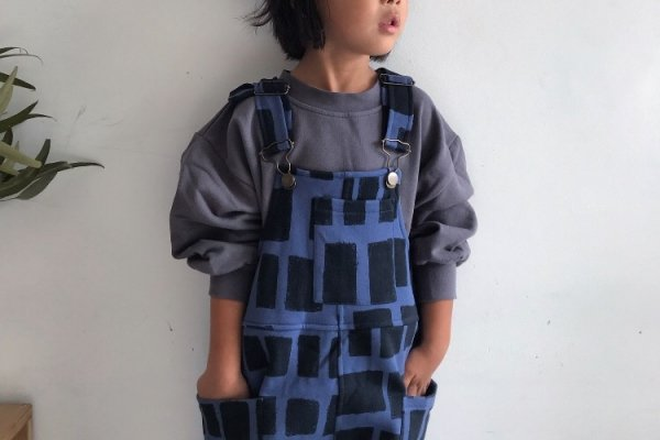 <img class='new_mark_img1' src='//img.shop-pro.jp/img/new/icons14.gif' style='border:none;display:inline;margin:0px;padding:0px;width:auto;' />19aw main story Printed Dungarees