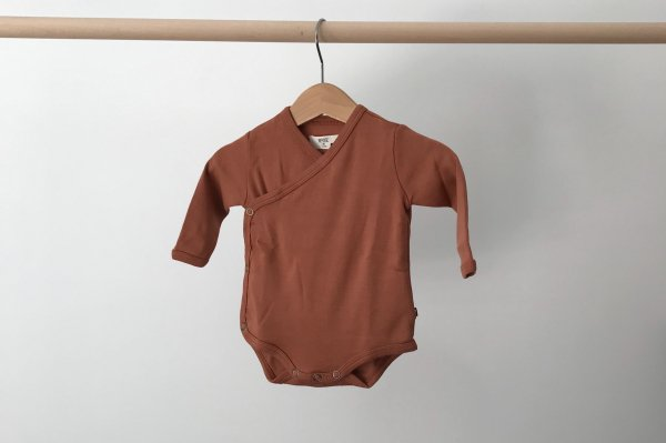 <img class='new_mark_img1' src='//img.shop-pro.jp/img/new/icons14.gif' style='border:none;display:inline;margin:0px;padding:0px;width:auto;' />19aw REPOSE.AMS  Babysuit   caramel /3M