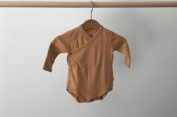 <img class='new_mark_img1' src='//img.shop-pro.jp/img/new/icons14.gif' style='border:none;display:inline;margin:0px;padding:0px;width:auto;' />19aw REPOSE.AMS  Babysuit  kind clay /3M