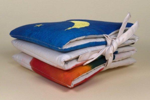 <img class='new_mark_img1' src='https://img.shop-pro.jp/img/new/icons14.gif' style='border:none;display:inline;margin:0px;padding:0px;width:auto;' />LEOLEO Fabric Book