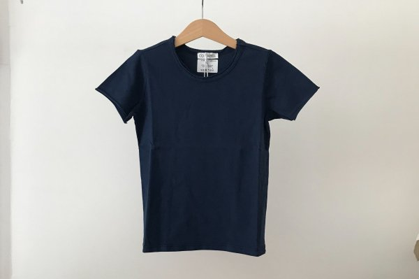 <img class='new_mark_img1' src='//img.shop-pro.jp/img/new/icons14.gif' style='border:none;display:inline;margin:0px;padding:0px;width:auto;' />CO LABEL Short Sleeved T-shirt NAVY