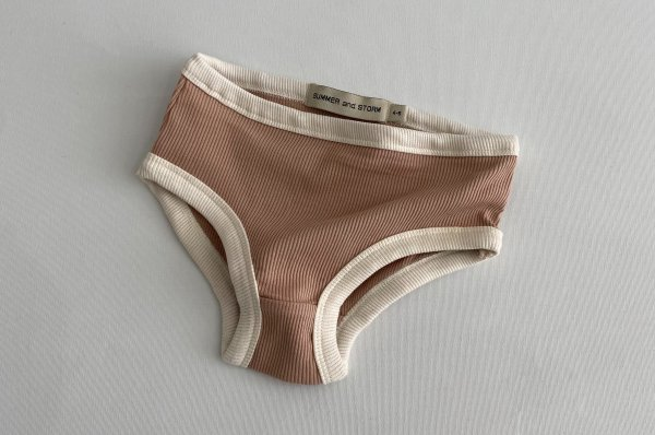 <img class='new_mark_img1' src='https://img.shop-pro.jp/img/new/icons14.gif' style='border:none;display:inline;margin:0px;padding:0px;width:auto;' />summer&storm mini ribbed underwear / dusty rose