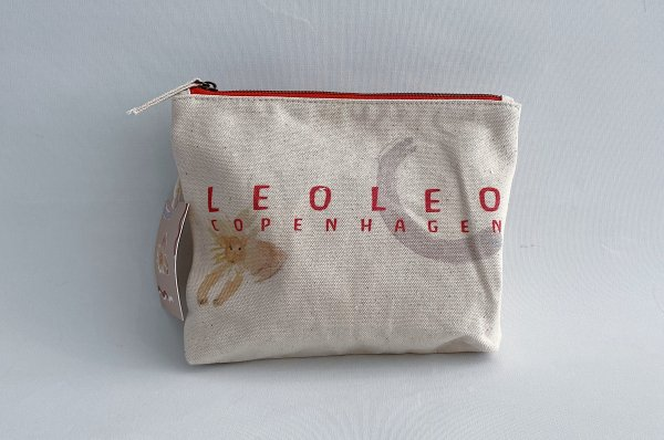 <img class='new_mark_img1' src='https://img.shop-pro.jp/img/new/icons14.gif' style='border:none;display:inline;margin:0px;padding:0px;width:auto;' />LEOLEO Canvas  Pouch