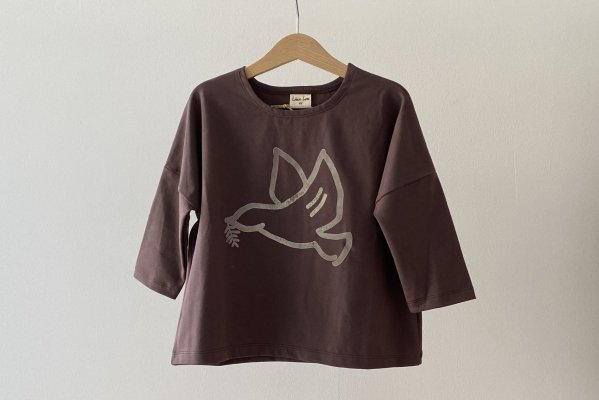 <img class='new_mark_img1' src='https://img.shop-pro.jp/img/new/icons16.gif' style='border:none;display:inline;margin:0px;padding:0px;width:auto;' />40%off  Like lou Longsleeve Tee / Brown Dove Bird  4Y