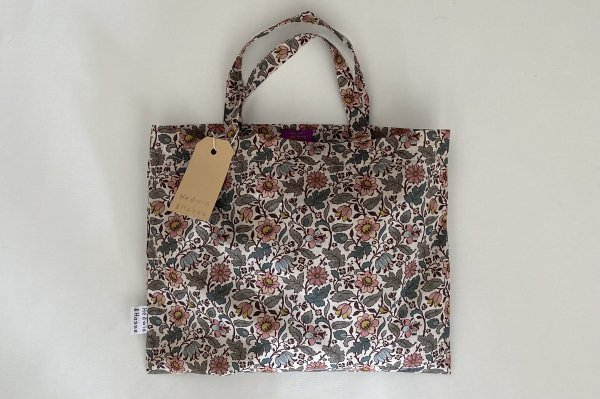 <img class='new_mark_img1' src='https://img.shop-pro.jp/img/new/icons14.gif' style='border:none;display:inline;margin:0px;padding:0px;width:auto;' />Hedwig&Hasse Tote Bag / Liberty London