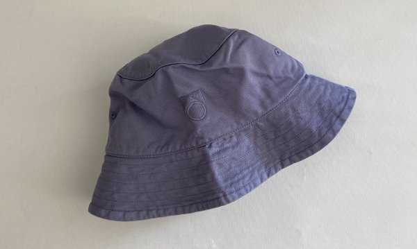 <img class='new_mark_img1' src='https://img.shop-pro.jp/img/new/icons55.gif' style='border:none;display:inline;margin:0px;padding:0px;width:auto;' />21SS Main Story washed Bucket Hat / Eventide