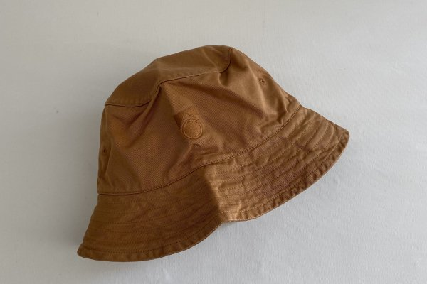 <img class='new_mark_img1' src='https://img.shop-pro.jp/img/new/icons14.gif' style='border:none;display:inline;margin:0px;padding:0px;width:auto;' />21SS Main Story washed Bucket Hat / Cinnamon