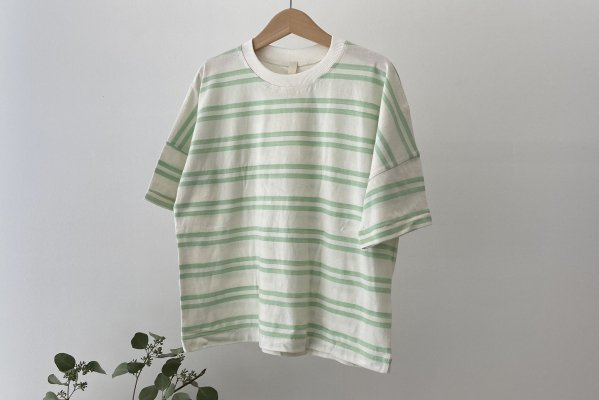 <img class='new_mark_img1' src='https://img.shop-pro.jp/img/new/icons14.gif' style='border:none;display:inline;margin:0px;padding:0px;width:auto;' />Summer&Storm Oversized Tee /  Pastel Green Double Stripe
