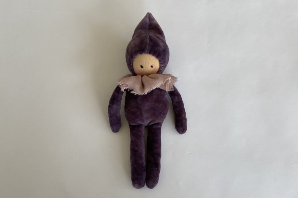 <img class='new_mark_img1' src='https://img.shop-pro.jp/img/new/icons14.gif' style='border:none;display:inline;margin:0px;padding:0px;width:auto;' />Studio Escargot Gnome Lavender